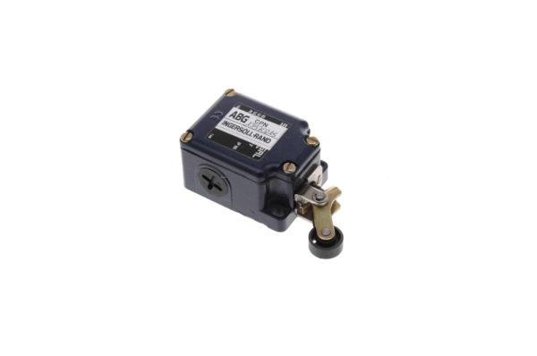 Купить Концевой выключатель VOLVO и другие запчасти для спецтехники в ООО «Дортехника».