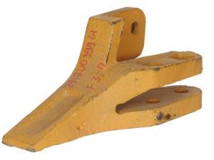 Купить Зуб ковша боковой правый SDLG LG953 LG956 и другие запчасти для спецтехники в ООО «Дортехника».