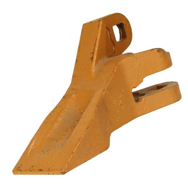 Купить Зуб ковша левый KOMATSU WA250 WA300 WA320 и другие запчасти для спецтехники в ООО «Дортехника».
