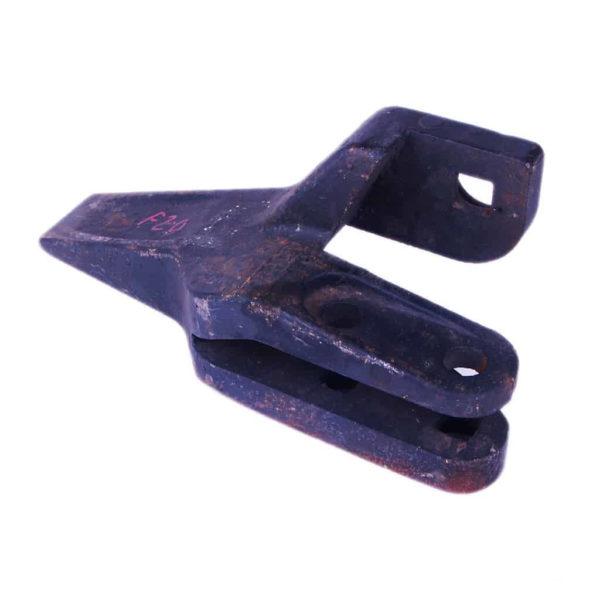 Купить Зуб ковша боковой левый LOVOL FL956F-II и другие запчасти для спецтехники в ООО «Дортехника».