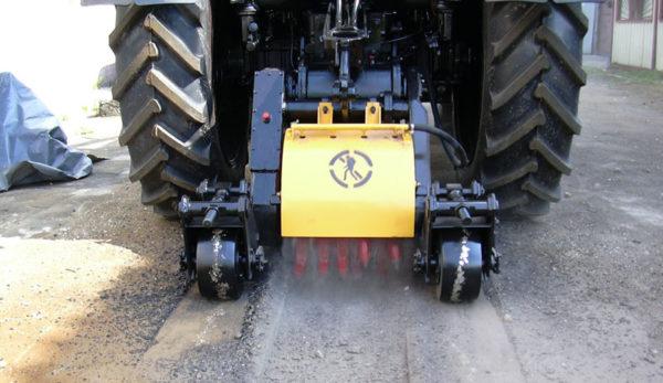 Купить ДЭМ 121 с опорными колёсами и другое навесное оборудование для спецтехники в ООО «Дортехника».