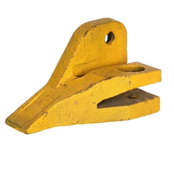 Купить Зуб ковша боковой правый SHANTUI SL30W и другие запчасти для спецтехники в ООО «Дортехника».