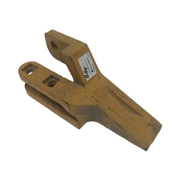 Купить Зуб ковша боковой левый SHANTUI SL50W-3 и другие запчасти для спецтехники в ООО «Дортехника».