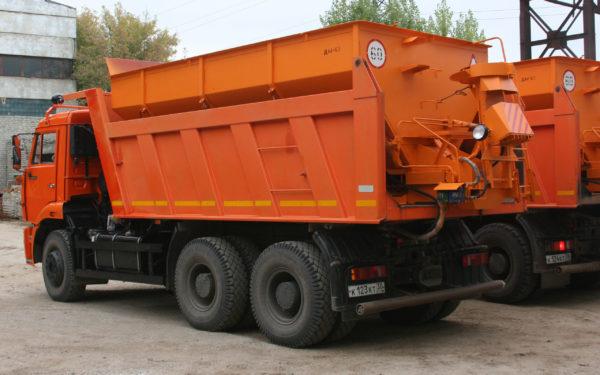 Купить Пескоразбрасыватель ДМ-65 и другое навесное оборудование для спецтехники в ООО «Дортехника».