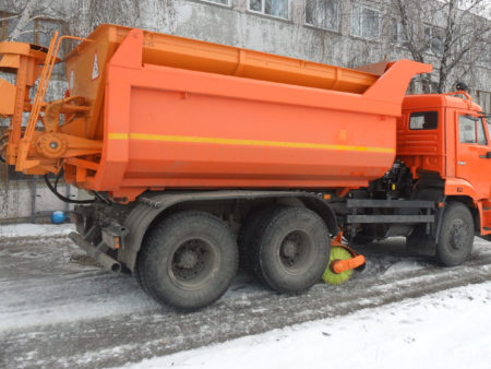 Купить Пескоразбрасыватель ДМ-28-15 и другое навесное оборудование для спецтехники в ООО «Дортехника».