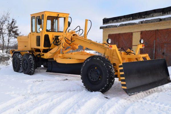 Купить Автогрейдер ДЗ 122 и другую дорожную технику по низкой цене в ООО «Дортехника».