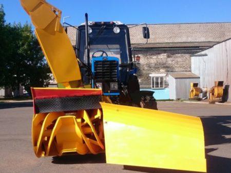 Купить Снегоочиститель фрезерно-роторный 124 и другое навесное оборудование для спецтехники в ООО «Дортехника».