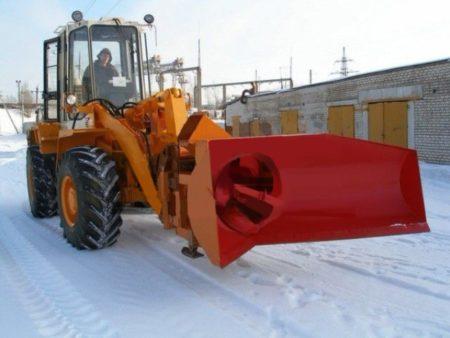 Купить Снегоочиститель роторный ЕМ-800.4 и другое навесное оборудование для спецтехники в ООО «Дортехника».