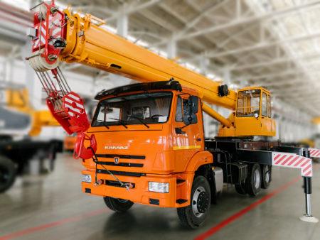 Купить Автокран КамАЗ КС-45717K-1В и другую дорожную технику по низкой цене в ООО «Дортехника».