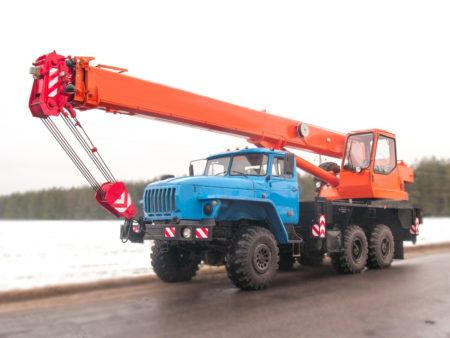 Купить Автокран Урал-4320 КС-55713-3К-2 и другую дорожную технику по низкой цене в ООО «Дортехника».