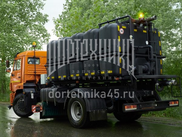 Купить Поливомоечное оборудование КДМ Пластик и другое дополнительное оборудование в ООО Дортехника.