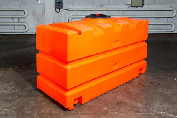 Купить Емкости для жидких материалов КДМ Е2000 и другое дополнительное оборудование в ООО Дортехника.