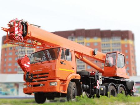 Купить Автокран КамАЗ КС-55713-1К-1 и другую дорожную технику по низкой цене в ООО «Дортехника».