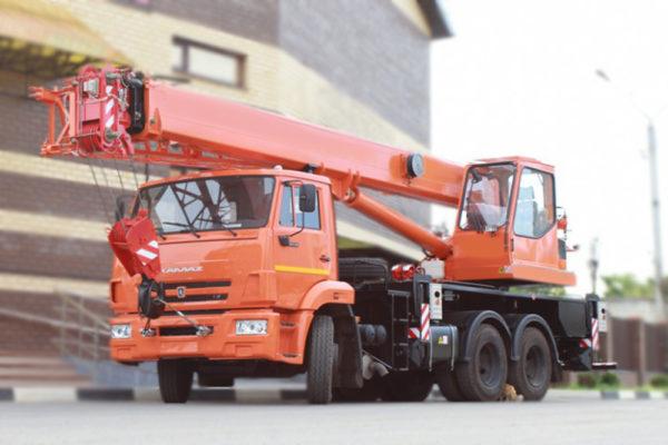 Купить Автокран КамАЗ КС-55713-1К-2 и другую дорожную технику по низкой цене в ООО «Дортехника».