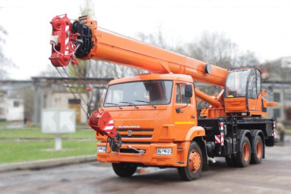 Купить Автокран КамАЗ КС-55713-1К-4 и другую дорожную технику по низкой цене в ООО «Дортехника».