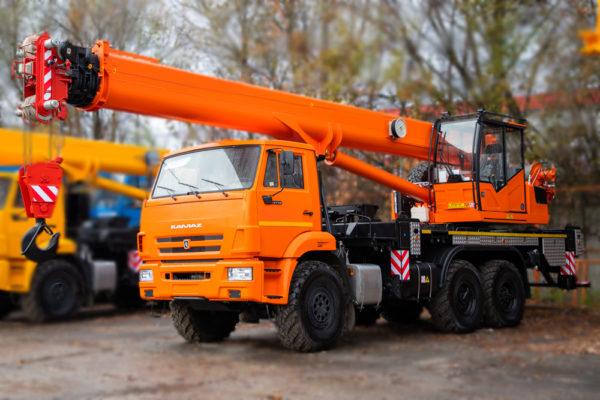 Купить Автокран КамАЗ КС-55713-5К-4В и другую дорожную технику по низкой цене в ООО «Дортехника».