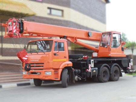 Купить Автокран КамАЗ КС-55713-1К-1В и другую дорожную технику по низкой цене в ООО «Дортехника».