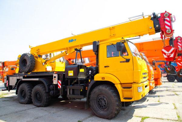 Купить Автокран КамАЗ КС-35719-7-02 и другую дорожную технику по низкой цене в ООО «Дортехника».