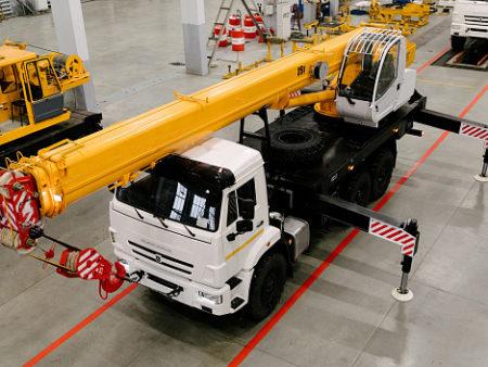 Купить Автокран КамАЗ КС-45717К-3М (стрела 24 м) и другую дорожную технику по низкой цене в ООО «Дортехника».