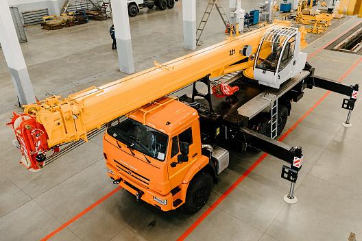 Купить Автокран КамАЗ КС-55717К-3 Air и другую дорожную технику по низкой цене в ООО «Дортехника».