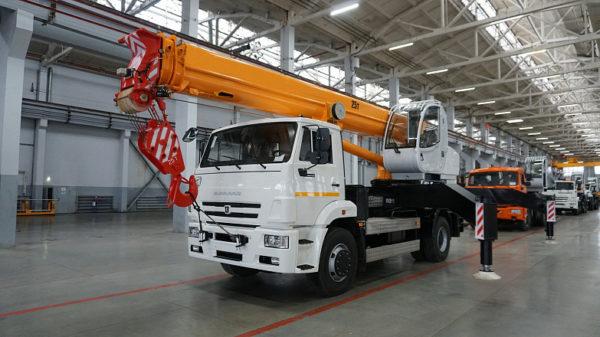 Купить Автокран КамАЗ КС-55744 и другую дорожную технику по низкой цене в ООО «Дортехника».