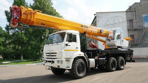 Купить Автокран КамАЗ КС-45717К-3Р Аir и другую дорожную технику по низкой цене в ООО «Дортехника».