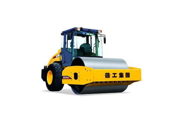 Купить Каток грунтовый XS202 и другую дорожную технику по низкой цене в ООО «Дортехника».