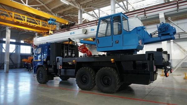 Купить Автокран КамАЗ КС-45717К-3-58 и другую дорожную технику по низкой цене в ООО «Дортехника».